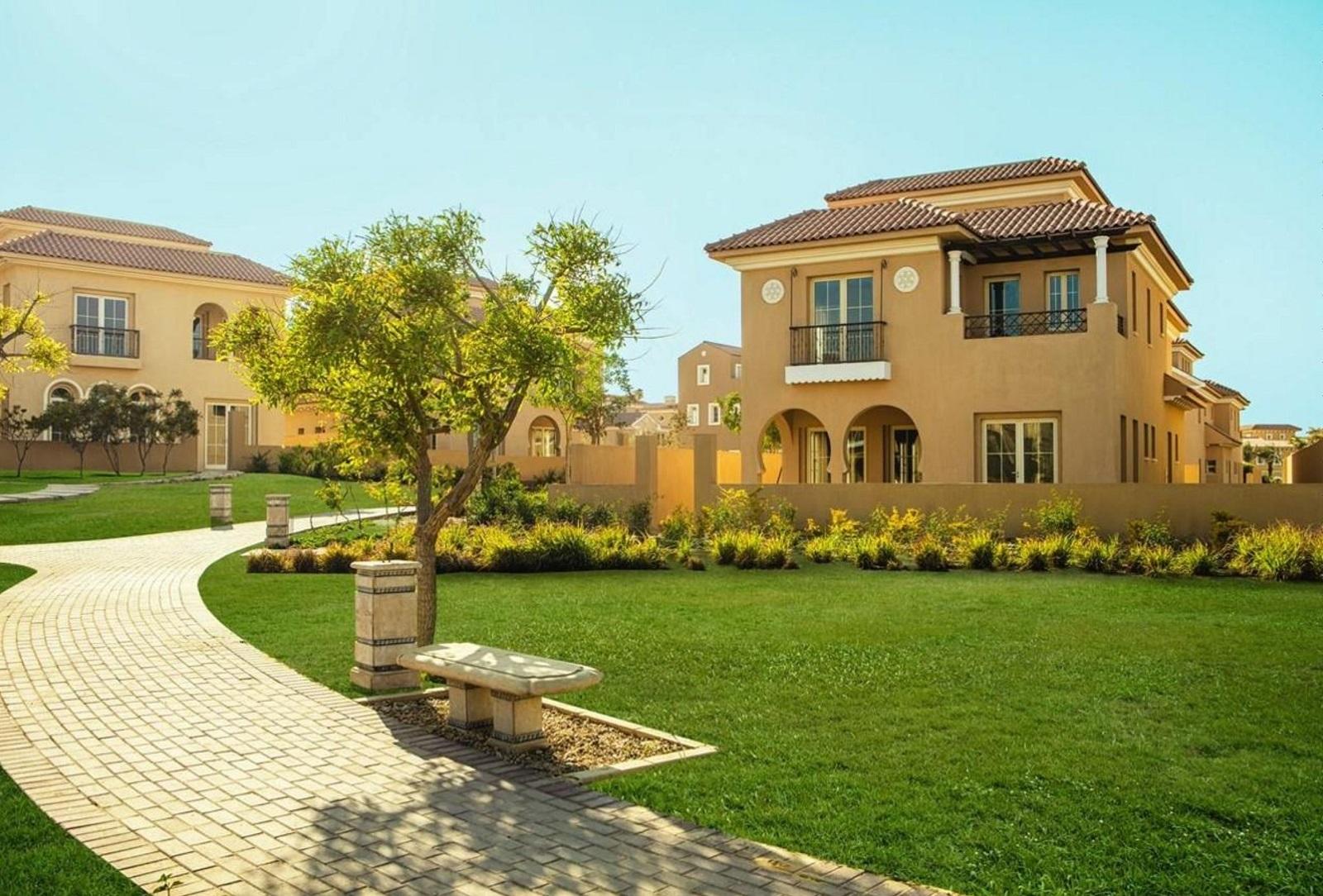 Villas-For-Sale-in-HYDE-Park