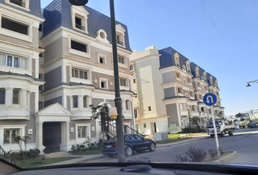 villas for sale in mountain view hyde park new cairo