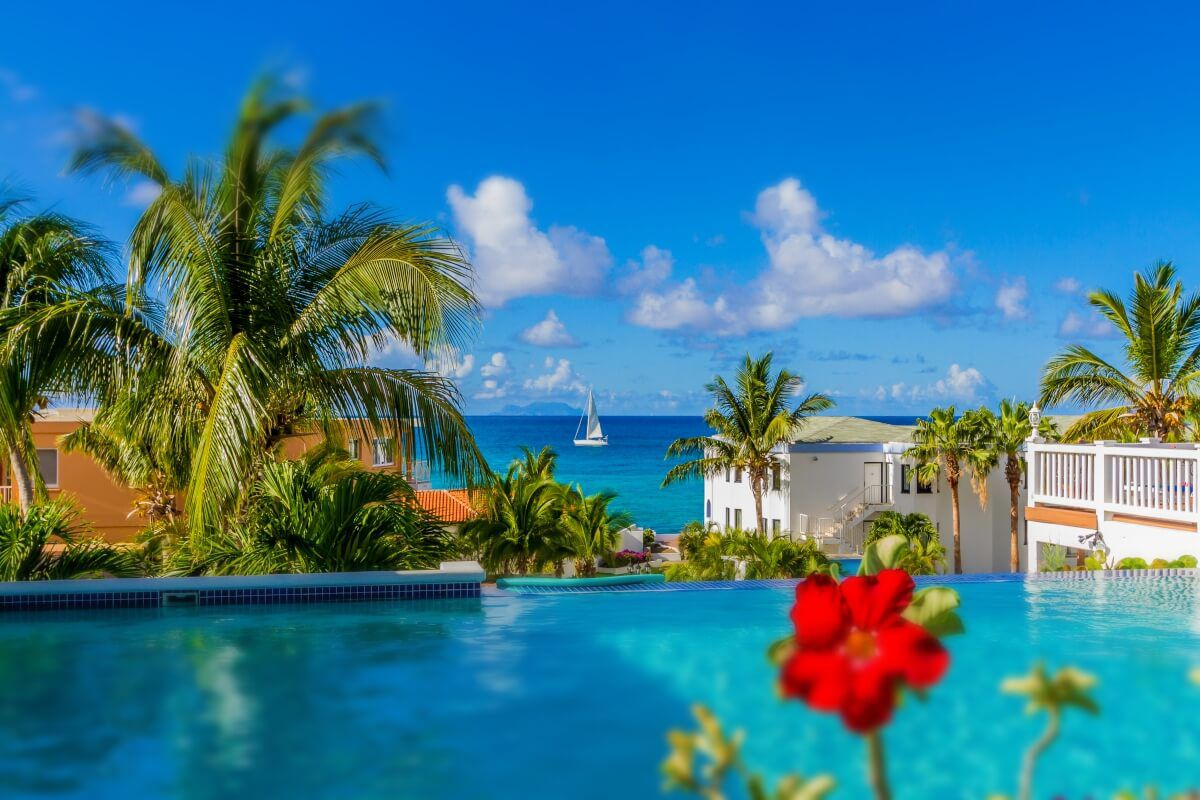 Swimming-pool-in-La-Vista-resort
