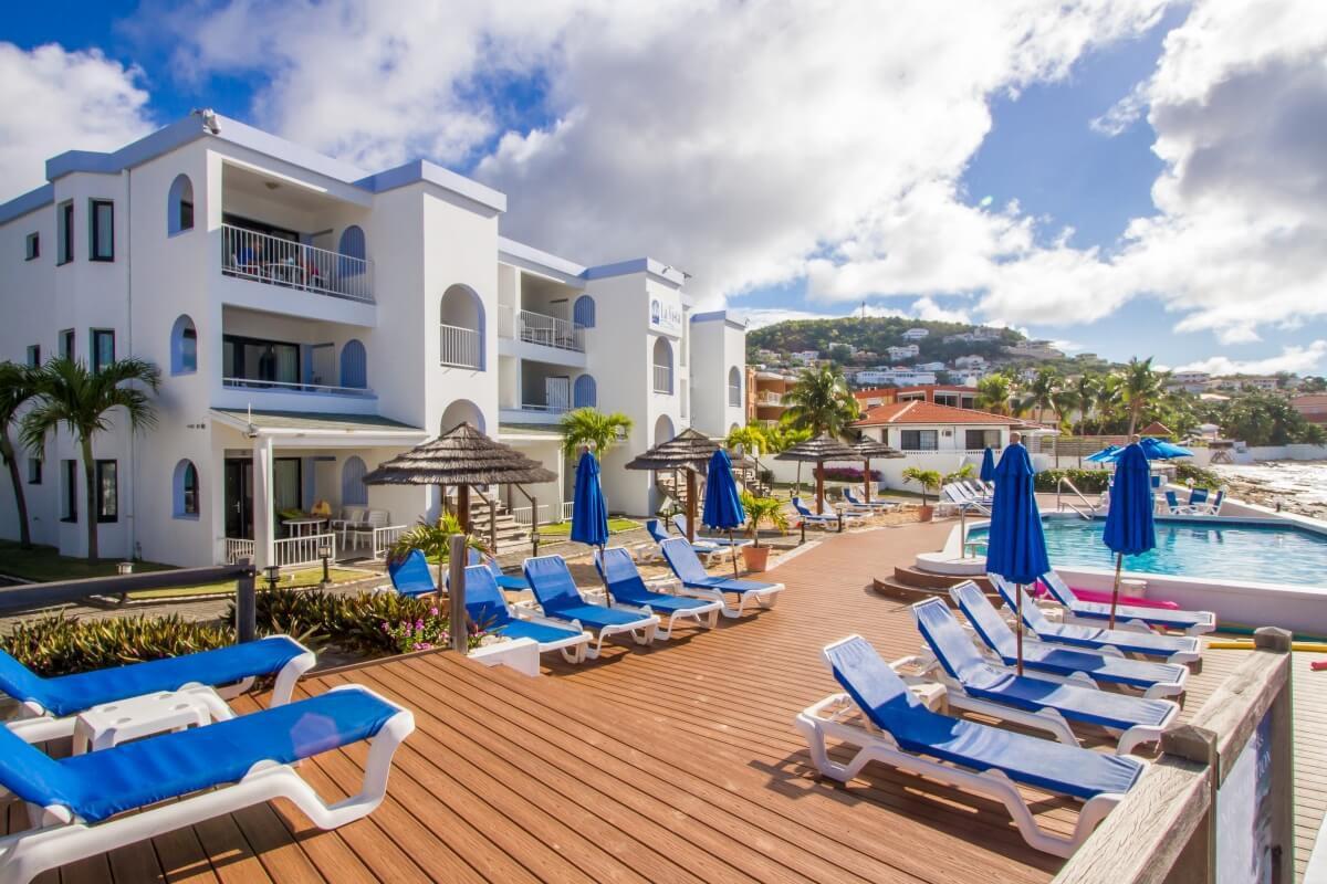 modern-and-luxurious-designs-in-La-Vista-resort
