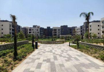 شقة رائعة 216 م للبيع في كمبوند ايون