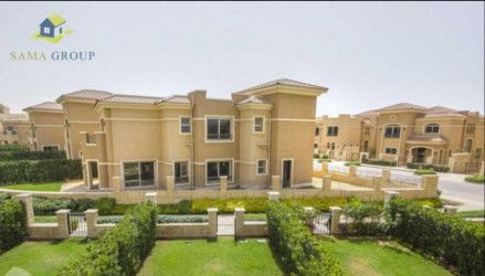 Townhouse for sale in Stone Park