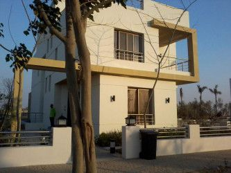 Twin House with area 399m² in Grand Heights