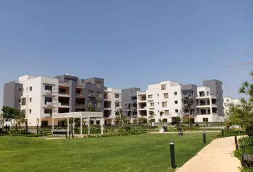 شقة كبيرة 250 متر للبيع في كمبوند ايون
