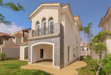 With an area of 380m Townhouse in Al Maqsad Compound