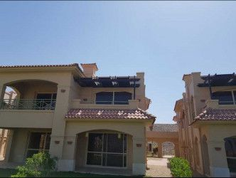 Chalet for Sale with Installment in La Vista Topaz