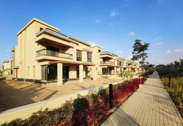 With an area of 253 meters Townhouse in Villette Compound