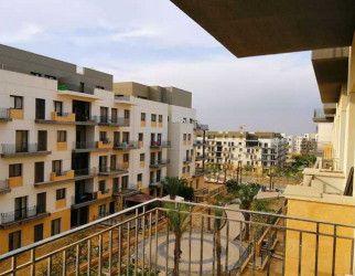 شقة في كمبوند ايست تاون القاهرة الجديدة