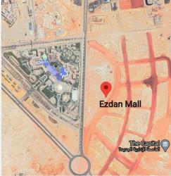 للبيع في مول ازدان محل بمساحة 90 متر
