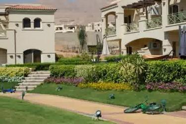 Chalet With Garden for sale in La Vista 6