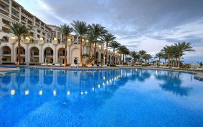 حمام سباحة فندق ستيلا دي ماري العين السخنة