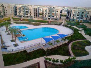 حمامات سباحة متنوعة في كمبوند جالريا مون فالي